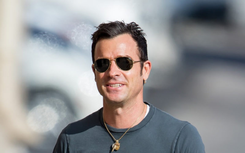 Justin Theroux smiling
