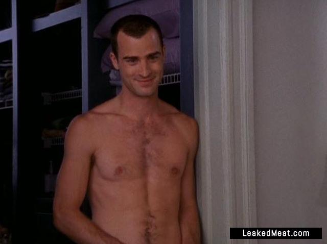 Justin Theroux shirtless